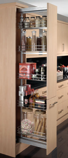Pull-out larder